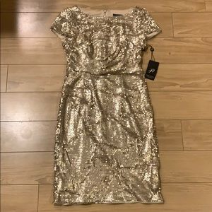 NEVER WORN Adrianna Papell gold sequined dress